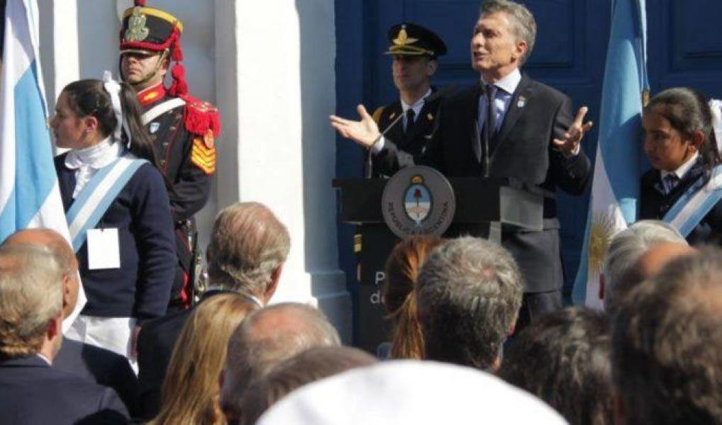 Mañana el presidente Macri viaja a Tucumán para el acto de las 9 horas y a las 11, debe volver a Buenos Aires.