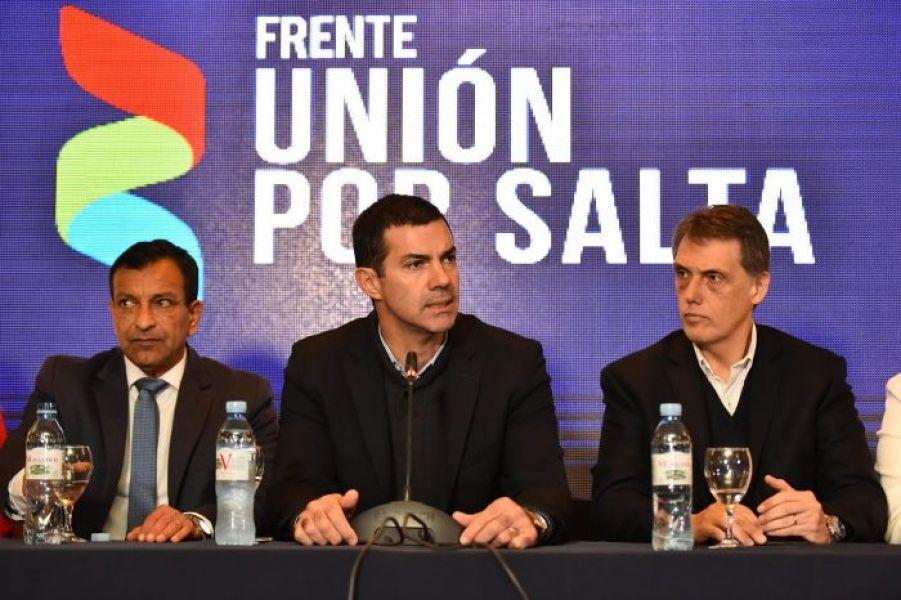 Urtubey acompañado por los precandidatos Marcelo Lara Gros y Pablo Kosiner.