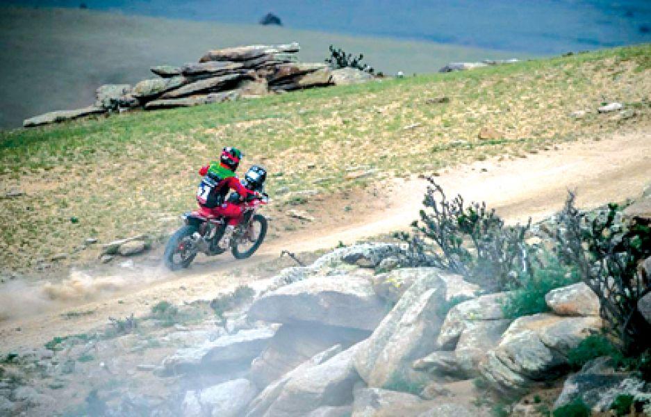 El mayor de los Benavides finalizó  segundo en la quinta etapa y escaló al tercer lugar en la general, detrás de Luciano y el líder Sunderland.