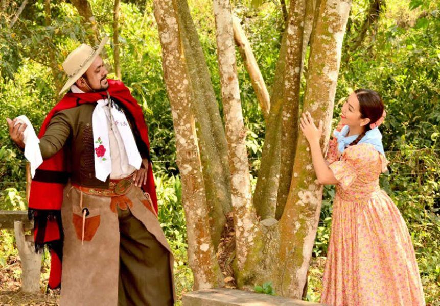 Lourdes Reyes y Marcos Martínez, la última pareja ganadora de la Competencia Folclórica Nacional de Zamba Carpera.