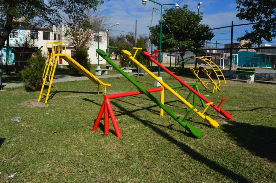 El proyecto es la de ampliar los sitios en donde no se podrá fumar, en este caso los sectores de juegos infantiles en plazas.