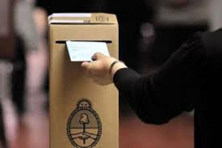 Se utilizarán los mismos padrones y mesas para que en todas las elecciones los electores voten en el mismo establecimiento.