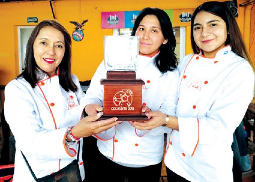 Fernanda Reynaga, Ana Silvia Gutiérrez y Lis Humacata, conquistaron Uruguay con aromas y sabores del norte argentino.