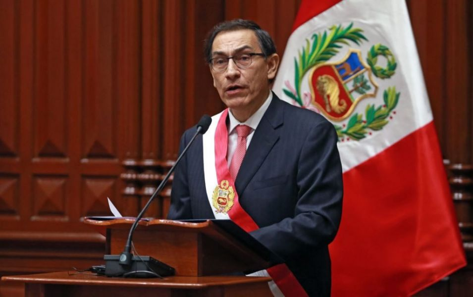 Vizcarra propone adelantar las elecciones y sorprende a Perú para salir de la crisis que enfrenta al Ejecutivo con el Legislativo.