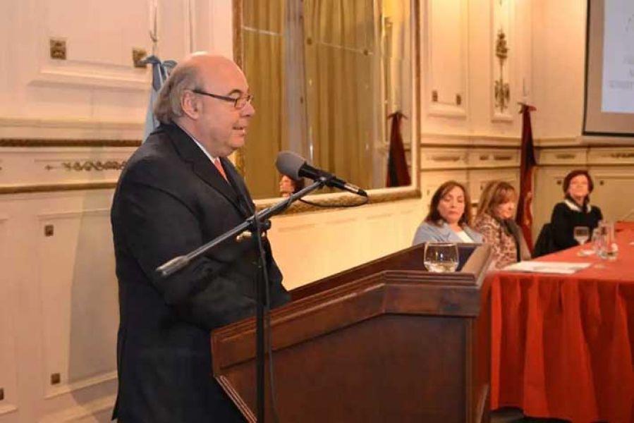 """El procurador Cornejo disertó en el encuentro. """"De la sinergia de los poderes del Estado salen las verdaderas políticas públicas""""."""