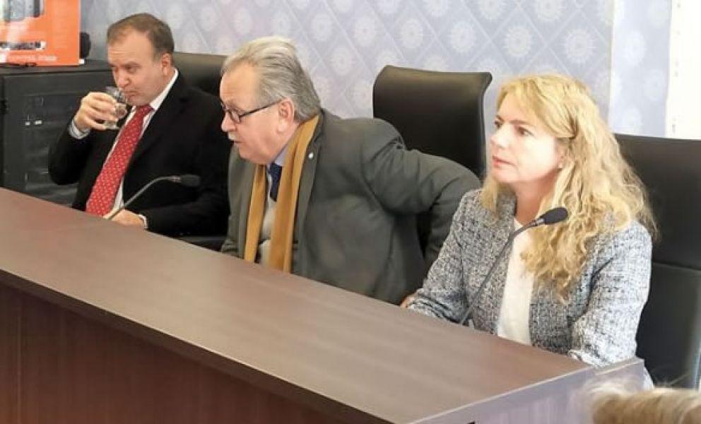 El Tribunal que juzga a Lona: Gabriel Casas de Tucumán, Juan Reynaga de Catamarca y Gabriela Catalano de Salta.