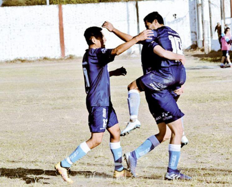 Cartello festeja su gol, el del triunfo millonario. Foto: Gyt oficial.
