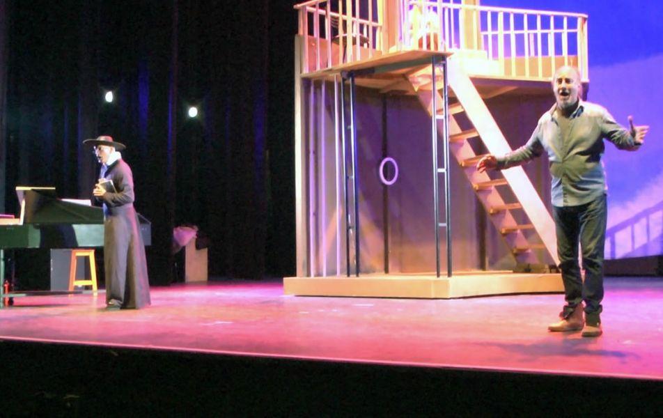 """Último ensayo de la ópera """"El barbero de Sevilla"""", una producción íntegramente local con cantantes invitados asiduos del Teatro Colón."""
