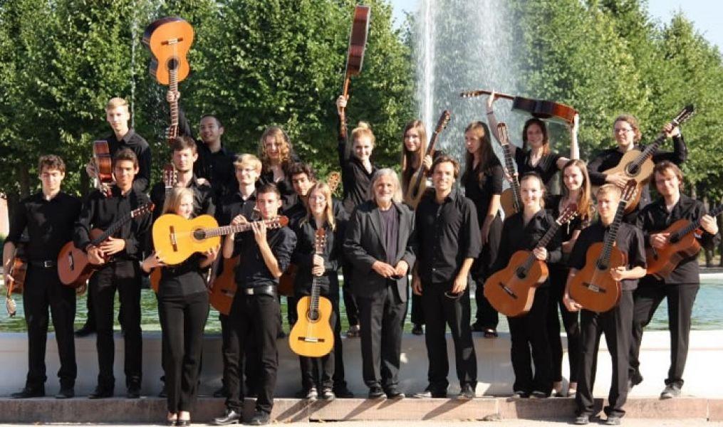 Clases magistrales y concierto de la Orquesta Juvenil de Guitarras de Alemania (JGO), el viernes 6 de setiembre en la Escuela Superior de Música.