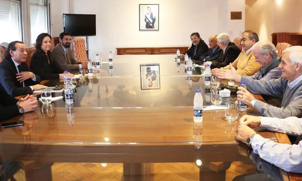 El Gobierno mantiene el diálogo con los líderes cegetistas, busca con estas medidas encapsular parte del conflicto social.