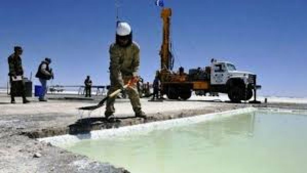 En la puna salteña hay 19 salares con 50 proyectos desarrollados por varias empresas privadas trabajando para la extracción de litio.