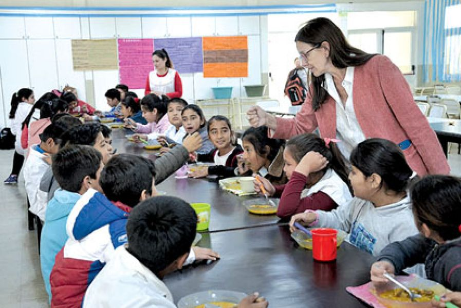 La ministra Berruezo visitará hoy el comedor escolar de Bº Norte Grande.