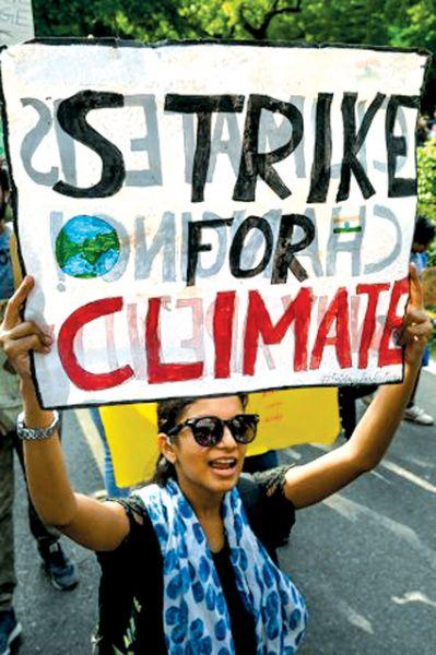Una activista que participa en la movilizaciones contra el cambio climático.