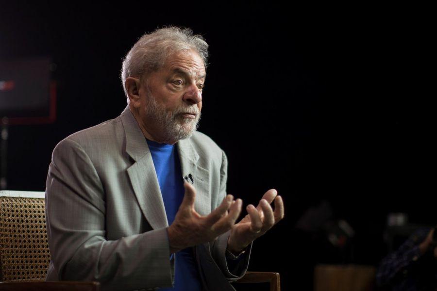 Luiz Inácio Lula da Silva recibió la oferta de fiscales de salir de la cárcel bajo condiciones, y dijo que no cambia su dignidad por libertad.