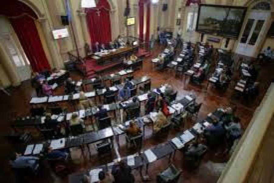 La sesión de hoy está prevista se inicie a las 16. Entrelos temas está los impuestos a instituciones religiosas propuesto por el del bloque del PO.