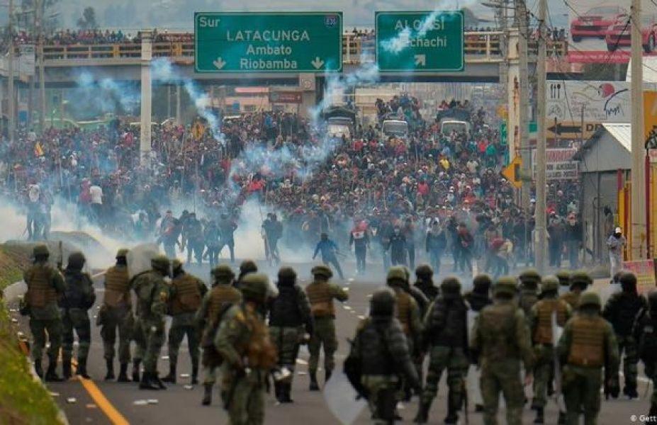 Dirigentes campesinos e indígenas ingresan a Quito. Si el Gobierno no da marcha atrás, el jueves se iniciarán medidas para desabastecer el país.