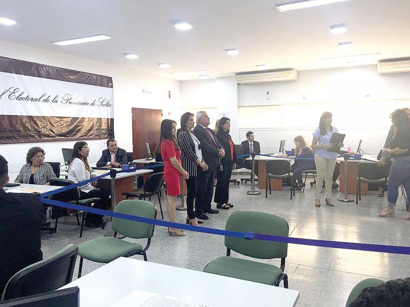 El acto de apertura del recuento definitivo de los votos de las PASO fue presidido por el titular de la Corte de Justicia, Guillermo Catalano.