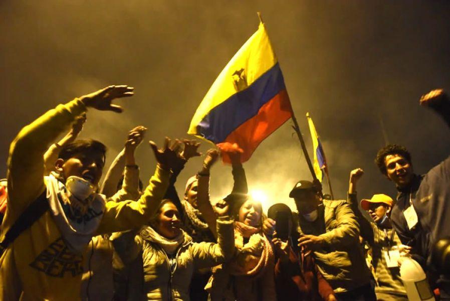 Resultado de imagen para festejo en ecuador victoria paquetazo