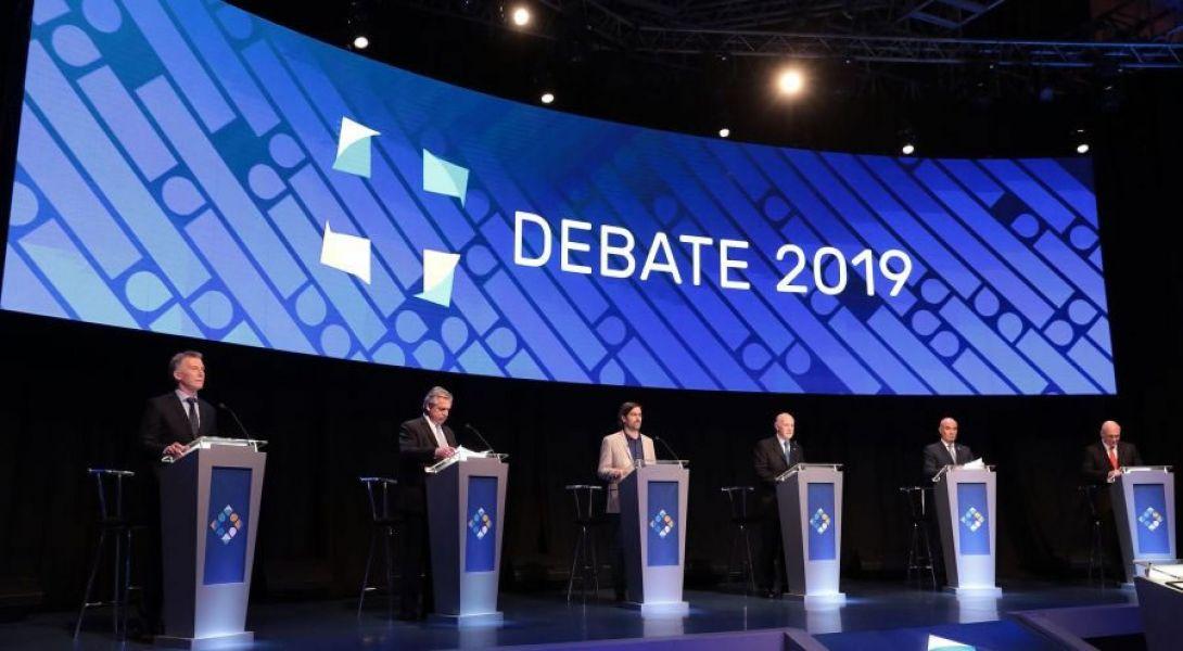 Los seis candidatos a la presidencia se enfrentaron en la última contienda preelectoral en la Facultad de Derecho. Solo falta votar.