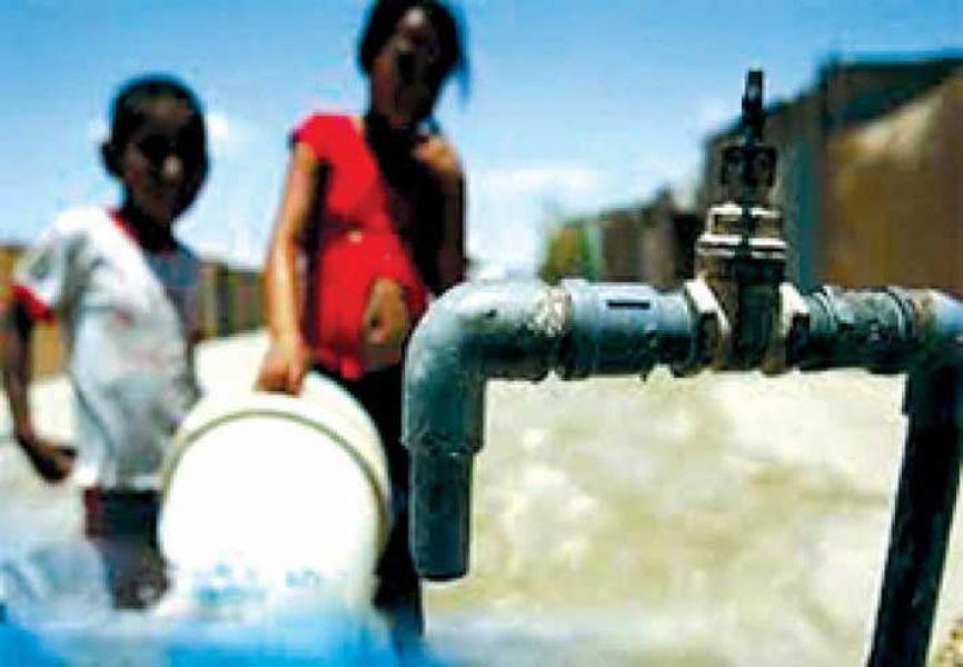 La presentación judicial que realizaron en Mosconi, no es la primera. La falta del agua en el Norte Provincial es histórica.
