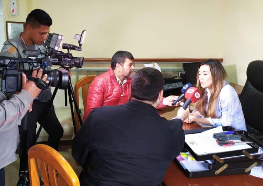 """La cónsul de Bolivia en Salta Jaqueline Mendieta amenaza. Asegura que no renunciará y que """"está feliz"""" con su cargo."""