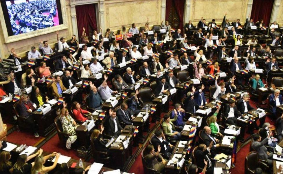 En Diputados y a mano alzada se impuso la declaración de repudio al Golpe de Estado del Frente para la Victoria.