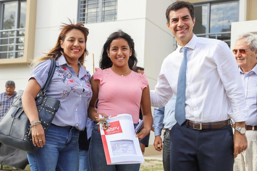 160 familias recibieron sus casas en barrio El Bosque, ubicado en el Sur de la capital salteña.