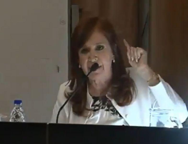 "Cristina Fernández de Kirchner La vicepresidenta electa insistió en denunciar el ""lawfare"", repudió que su indagatoria no se transmita en vivo."