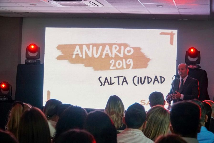 """Cha Usandivaras expresó su """"admiración y respeto a todo el equipo de la Secretaría de Turismo de la Municipalidad""""."""
