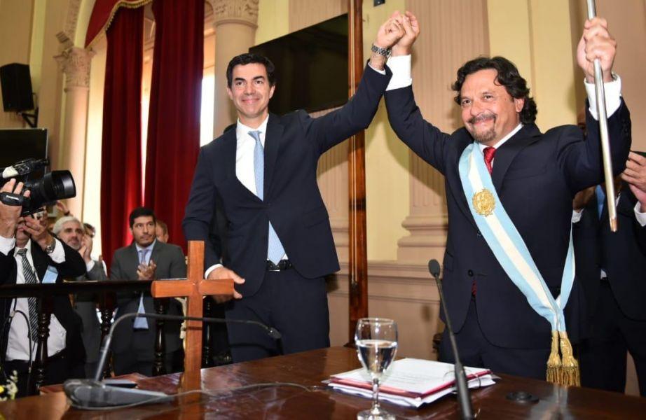 En el palacio legislativo Gustavo Sáenz asumió ayer como gobernador de la provincia de Salta.