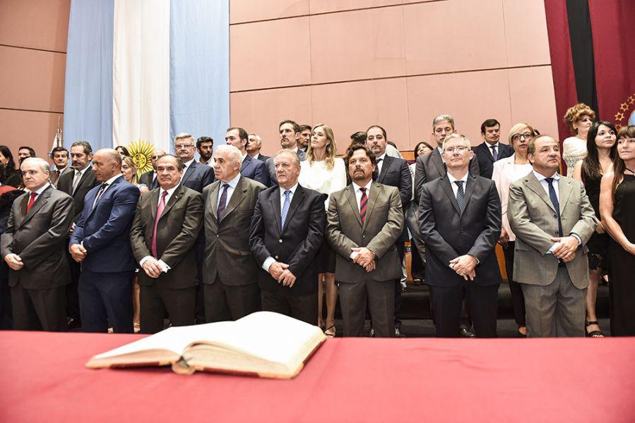 Los nuevos funcionarios del gobernador Gustavo Sáenz asumieron ayer en el Grand Bourg.
