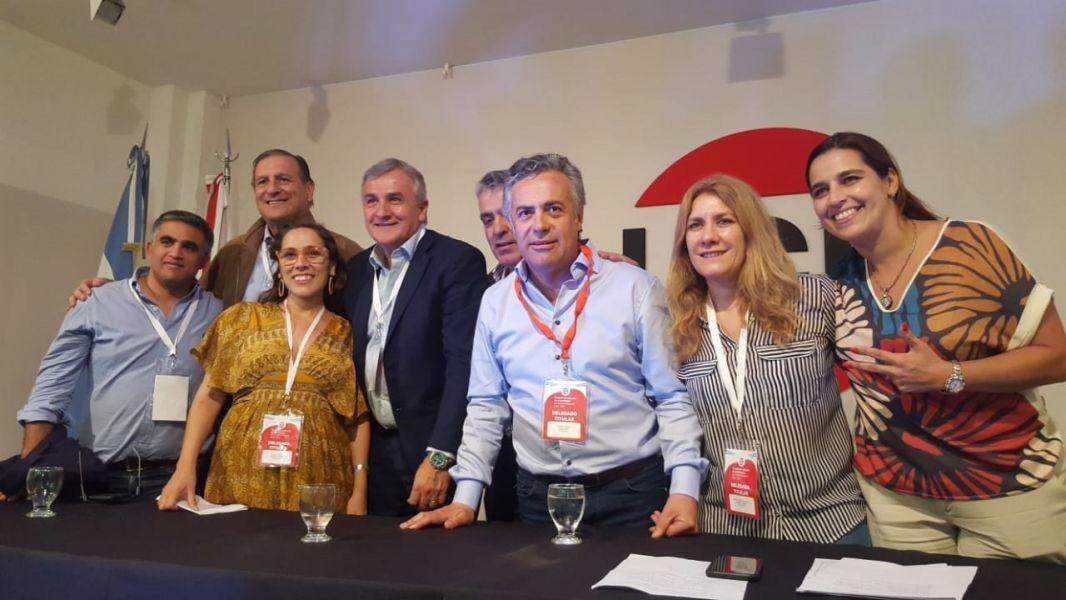 Las  nuevas autoridades nacionales del partido.