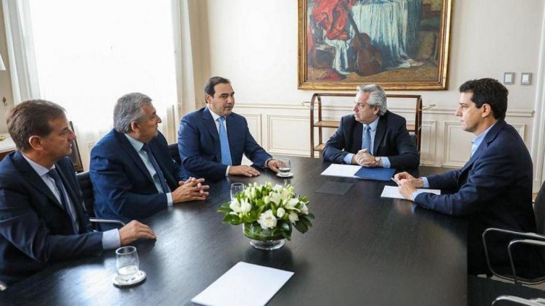 Fernández con los gobernadores radicales.