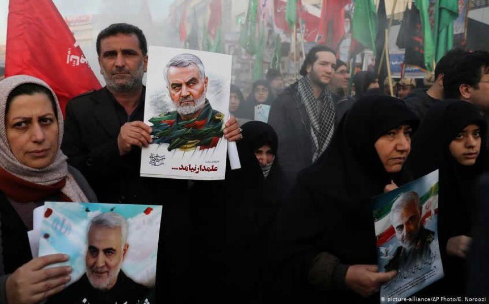 """La hija del general Qasem Soleimani, Zeinab, dijo que los Estados Unidos y su aliado Israel enfrentarán un """"día oscuro""""."""