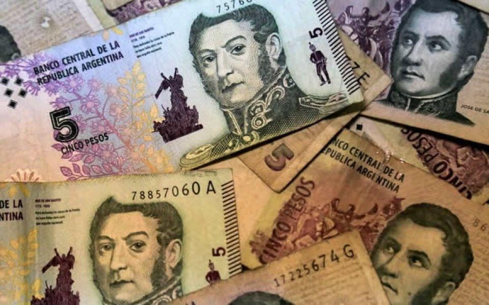 Quedarán las monedas, desaparece el billete de 5 pesos, el de menor denominación.