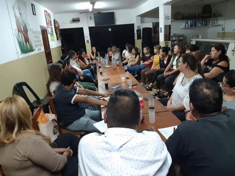 Músicas salteñas reunidas en A.DE.MU.SA. se movilizan en festivales y en carnaval, cumplan con la contratación a mujeres y disidencias.