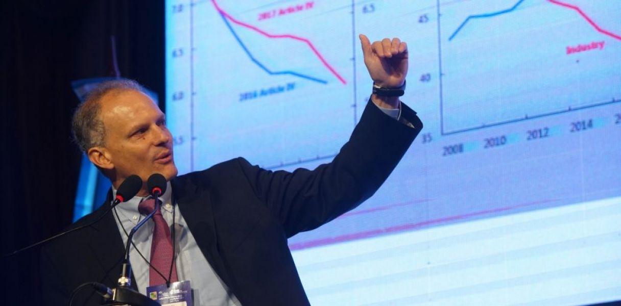 """Alejandro Werner sostuvo que Argentina está """"cuidando que las cuentas fiscales no se vean afectadas""""."""