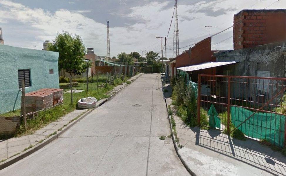 """Lugar donde se produjo un sangriento enfrentamiento entre dos bandas """"narco"""", en la localidad bonaerense de Villa Adelina."""
