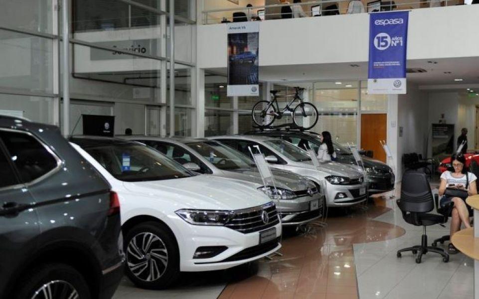 La cantidad de cuotas de los planes de ahorro de autos sería superior a las 84 pactadas, como una de las variantes propuestas.