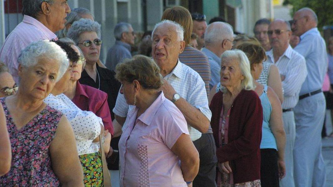 La Defensoría del Pueblo recibió denuncias por descuentos en los bonos extraordinarios que cobraron los jubilados salteños.