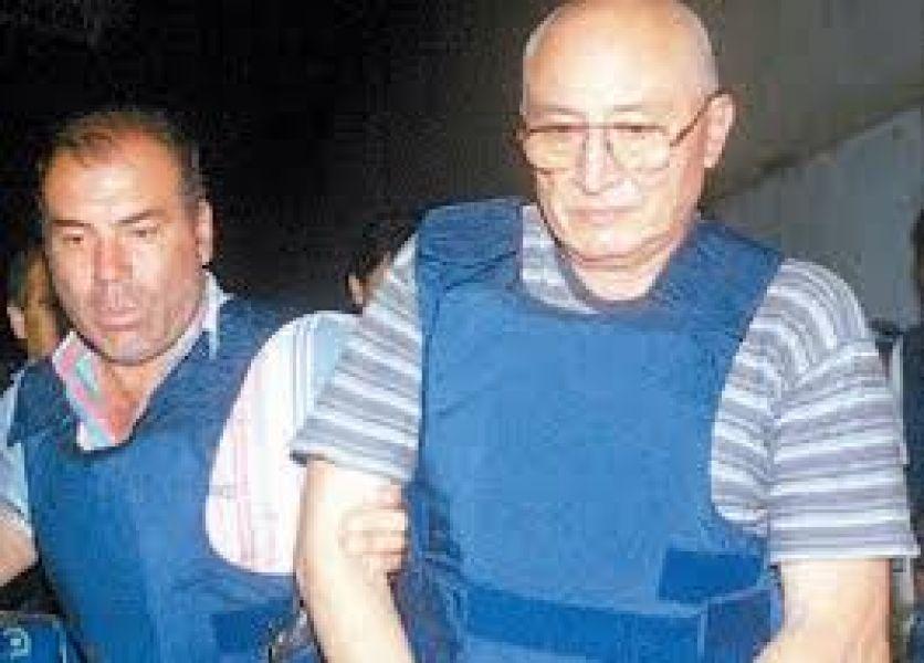 Pese a su edad de 79 años y de gozar de prisión domiciliaria, Leirman parece que sigue activo en el campo delictivo.