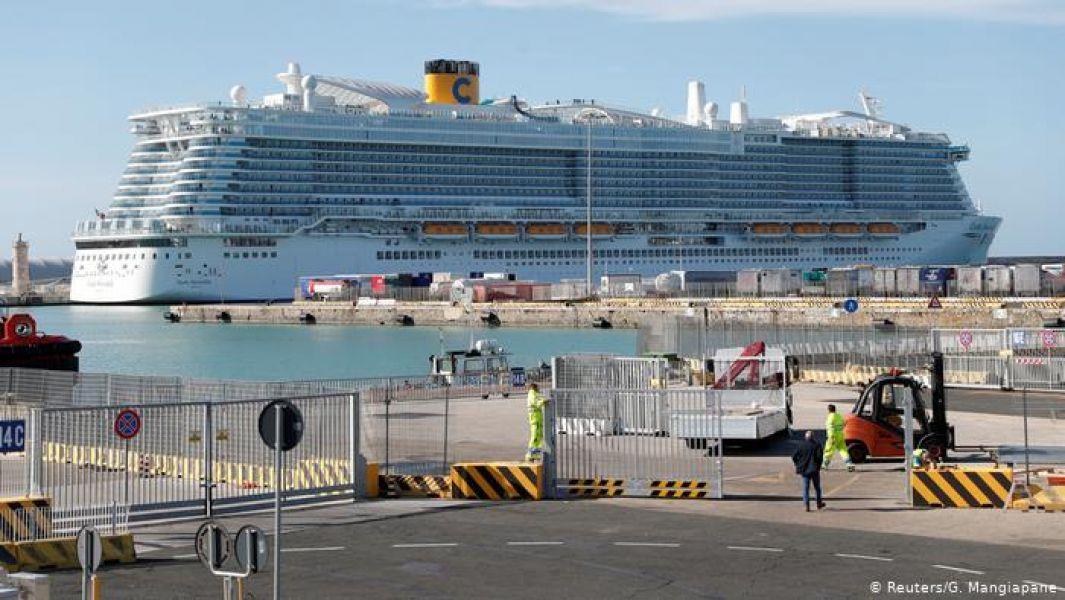 La empresa italiana Costa Cruceros, a cargo del viaje, confirmó que hay 6.000 pasajeros a bordo y el resto son miembros de la tripulación