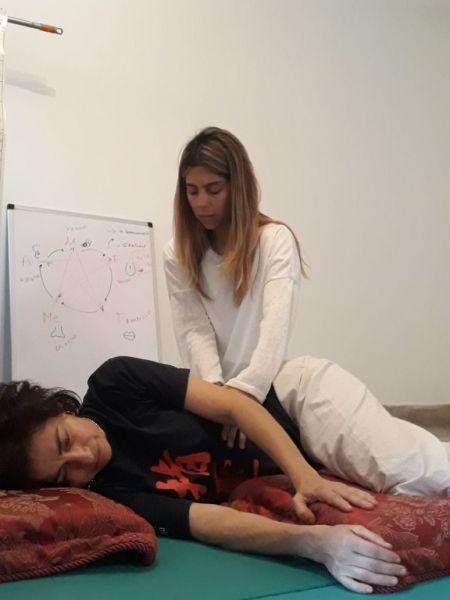 Yoga, shiatsu, ayurveda y aromaterapia, shiatsu para bebes y niños y kaolift, entre otras en Espacio Aiwa.