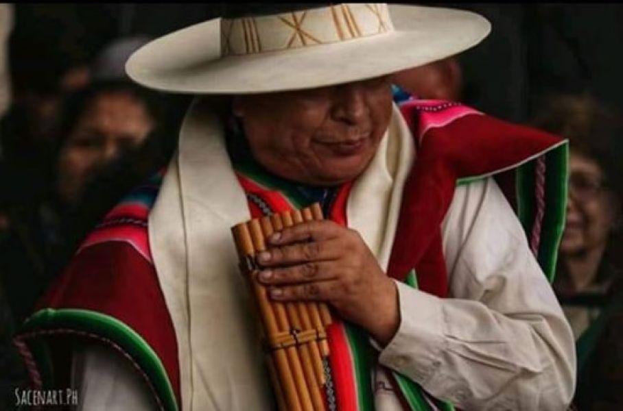 Nelsón Orellana, maestro orureño, criado en La Paz y adoptado por Buenos Aires. El domingo en Salta se referirá al sikuri, como dualidad.
