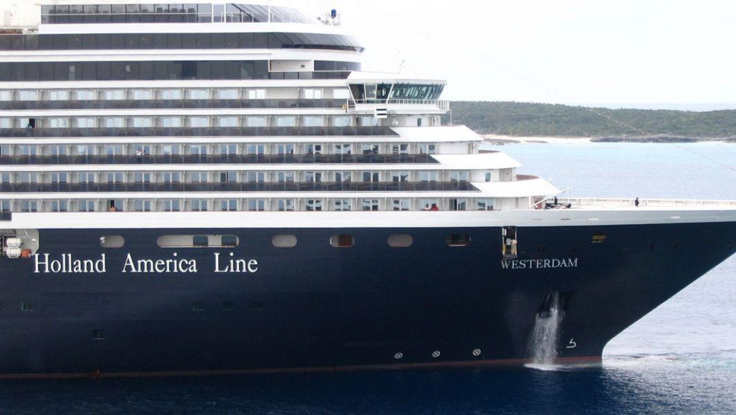 Desde el 3 de febrero, otro crucero, el Diamond Princess, se encuentra en cuarentena en un puerto cerca de Tokio.