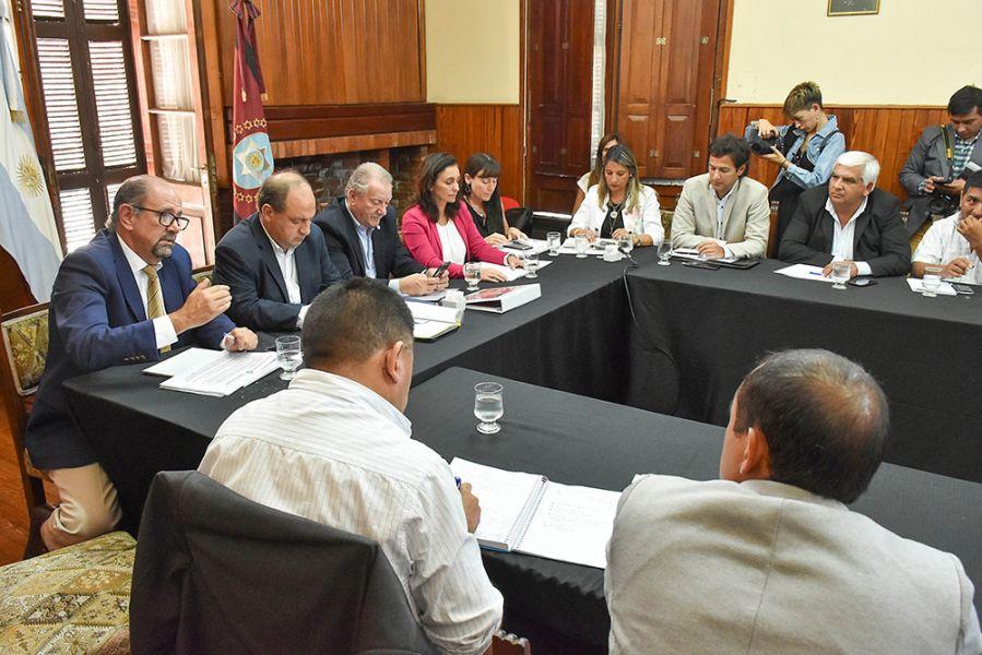 Senadores y diputados fueron informado en detalle las acciones dispuestas por el Gobierno de Salta en el marco de la emergencia sociosanitaria.