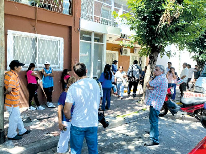 El corte del servicio de transporte de dializados, llevó a los pacientes a manifestarse en Incluir Salud y éste plan abonó la deuda.