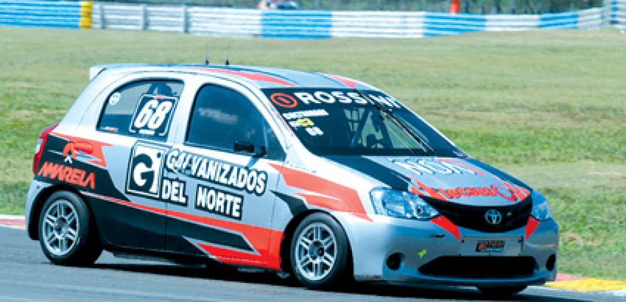 El Toyota Etios de Clase 3 del salteño Francisco Coltrinari, quien dominó sobre los 39 autos de la división .