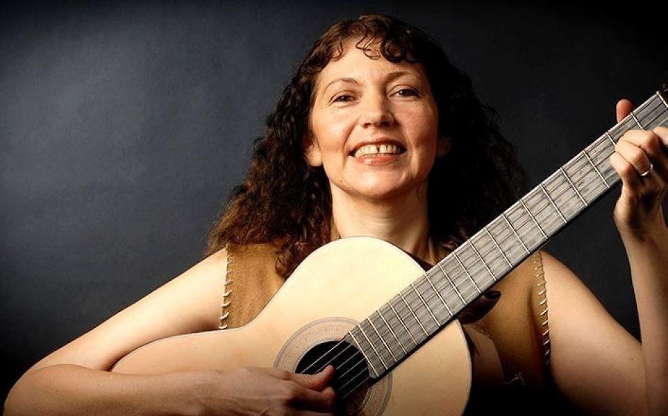 """Claudia Vilte, cantante folclórica, una de las artistas que participa del festival """"Por un Ministerio de Cultura"""" en Salta."""