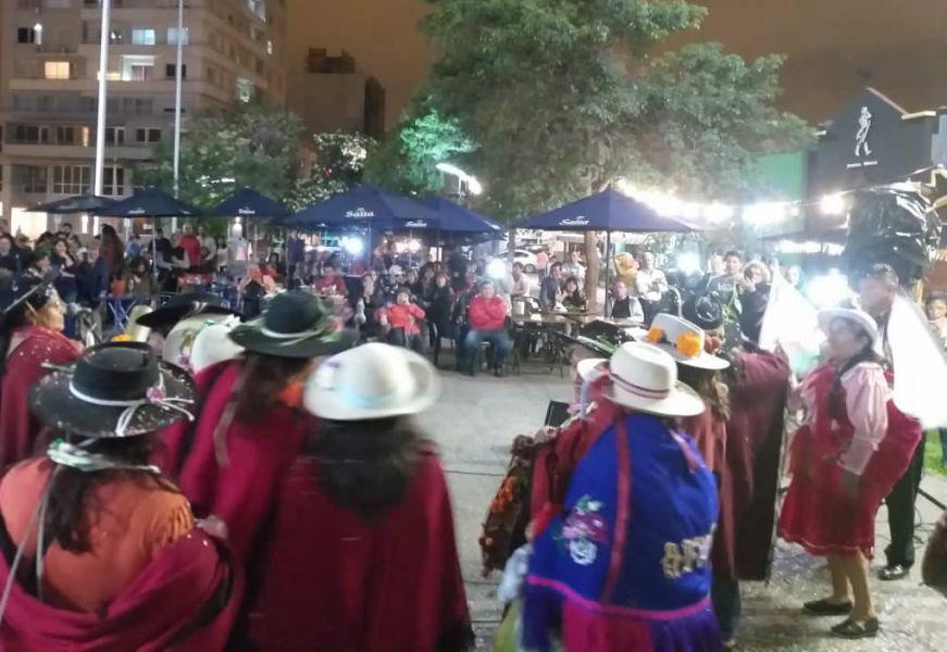 La tradicional suelta del Diablo del Carnaval en la capital salteña se hace este año en el Paseo de los Poetas, el domingo.